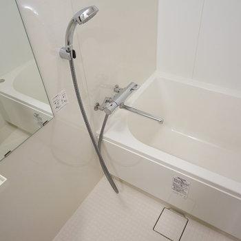 お風呂は乾燥機が付いてます!※写真は別部屋です