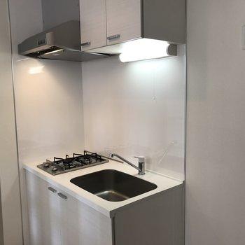 キッチンはコンパクトなサイズ!