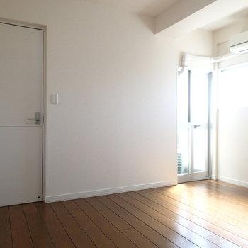 右の先っぽのお部屋は扉つき!