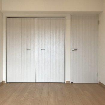 洋室はベッドルームや個室に。
