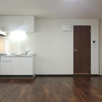 キッチンと玄関の配置