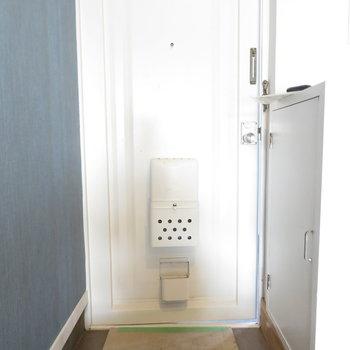 玄関は広くはないですね。狭くもないです。※掲載写真は工事中のものとなっております。