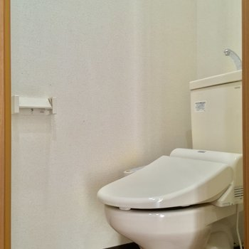 トイレはこちら!個室だーい!