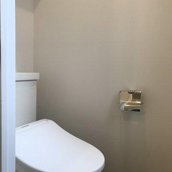 トイレはウォシュレット付で快適ですね◎