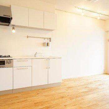 【イメージ】お部屋の真ん中にあるキッチンが主役のお部屋に!