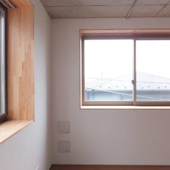 この窓枠がすき※掲載写真は別部屋です。間取りが変更されいていますので間取図をご確認願います。