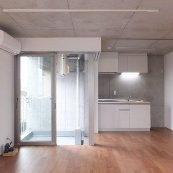 デザイナーズのお部屋です!※掲載写真は別部屋です。間取りが変更されいていますので間取図をご確認願います。
