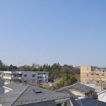 バルコニーからの眺望です。抜けてます!