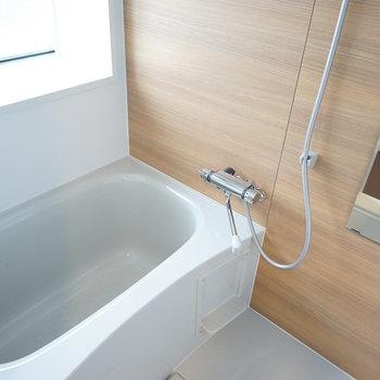 【イメージ】お風呂はアクセントと水栓を交換!