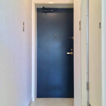 そしてこちらが玄関。意外とゆったり!