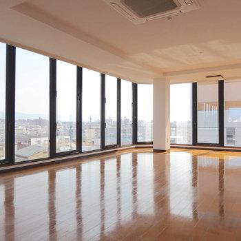空中ダンスホール