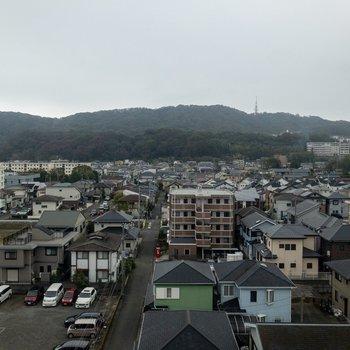 眺めは平塚の町並みが見えます。