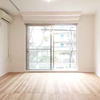 ナチュラルな家具を揃えたい。