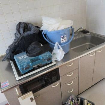 こちらキッチンです。※掲載写真は工事中のものとなっております。
