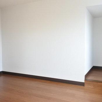 ロフトも案外広い。140センチくらいの高さです※写真は反転タイプ別部屋です