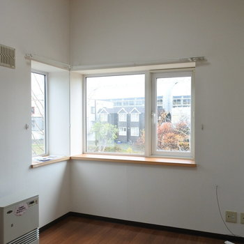 天井も高めなのが嬉しいな※写真は反転タイプ別部屋です