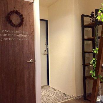 玄関周り】トイレの扉、女子にはたまりません!