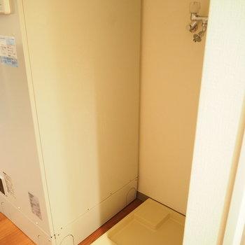廊下に洗濯機※写真は前回募集時のものです