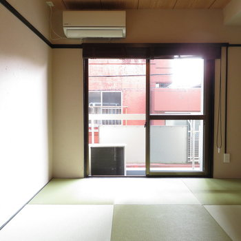 和室で昼寝が気持ちいいんです。