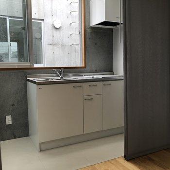 【上階6.5帖】流しの横に冷蔵庫を置こうかな
