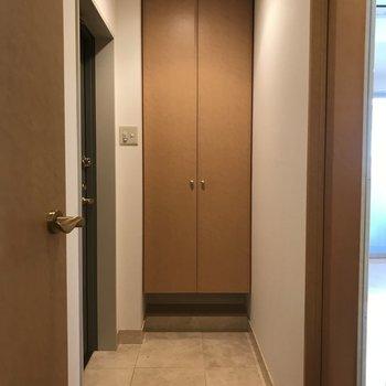 玄関はゆったりとしたスペースがありました。