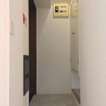 玄関は土間のようになっていて広いんです