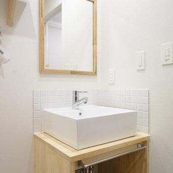 【別部屋】洗面台もお手製のナチュラルなデザイン◎