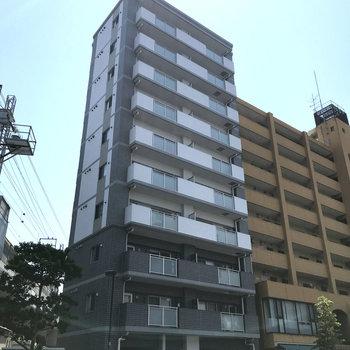 大橋駅から歩いてすぐのスタイリッシュなマンション。