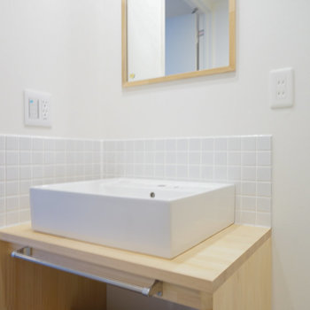 シンプル&ナチュラルで可愛い洗面台!