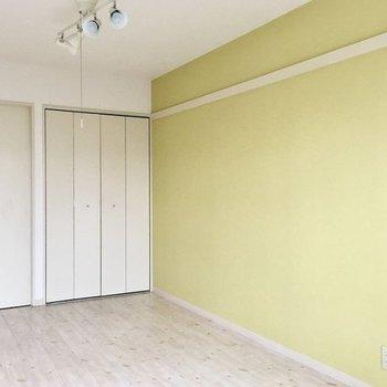 IKEAの家具とか合いそう!※写真は3階の同間取り別部屋です