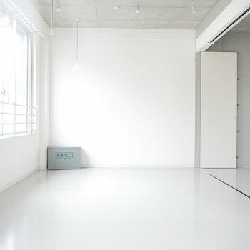 お部屋は硬く、考え方は柔らかく