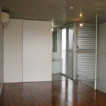 シンプルがいいですね(写真は同じ建物の別部屋です。間取りは同じ。)