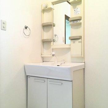 洗面台はシンクも大きくて, ファミリーでもゆったりなの。