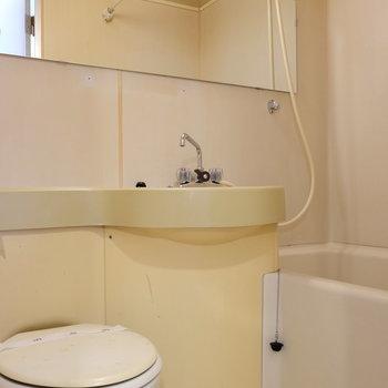 【工事前】お風呂場は更にきれいに白くなります!
