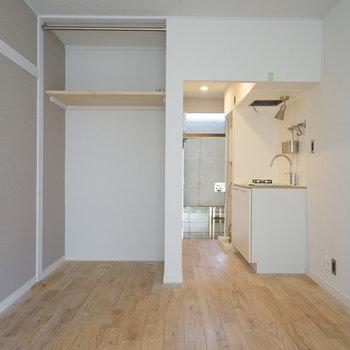 【同建物別部屋】オークの木目がきれいなカッコいいお部屋〇