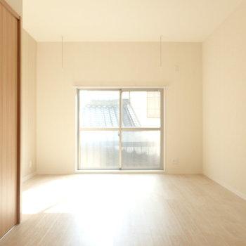 室内干しできるようになっています。※写真は別部屋です。