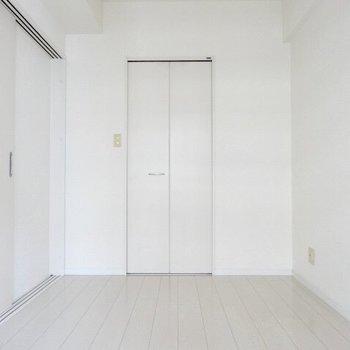 あの扉を開けると・・・(※写真は7階の同間取り別部屋のものです)