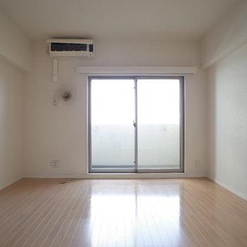 清潔感あるな~ ※写真は4階の同間取り別部屋のものです