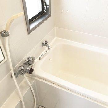 お風呂は意外とコンパクトサイズ