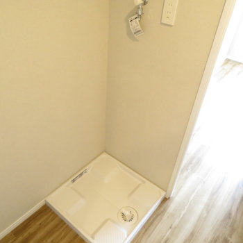 洗面台置場は冷蔵庫置場の横!