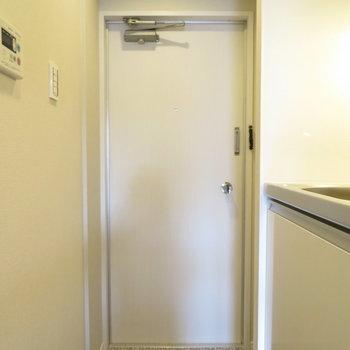 玄関スペースはこう。