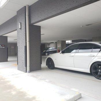 1階に駐車場も◯