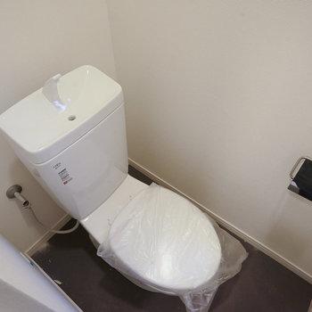 トイレも新品に交換!