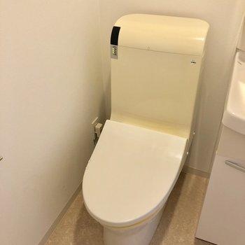 トイレは脱衣所に。