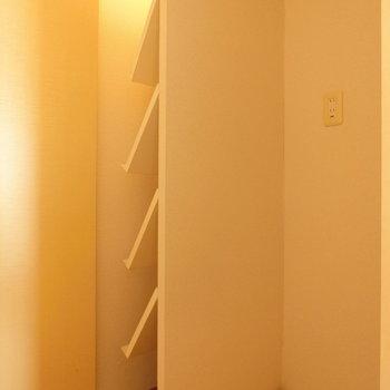 下駄箱と洗濯機置場※写真は前回募集時のものです