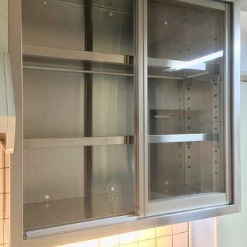 上部には食器棚も!