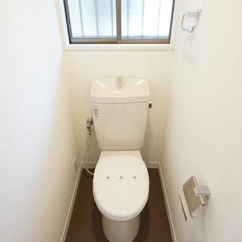 トイレには窓付き!※写真は前回募集時のものです