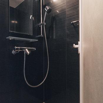 【1018号室】シャワーブース付き