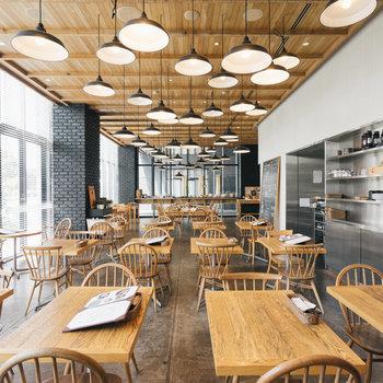 1階のtheCanteen。カフェやランチにも。