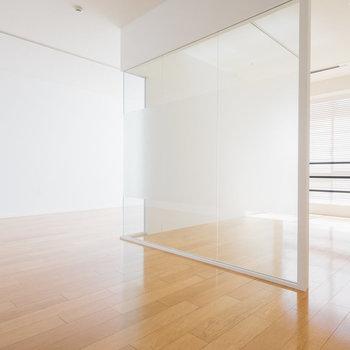 【1317号室】76㎡のフローリング空間。